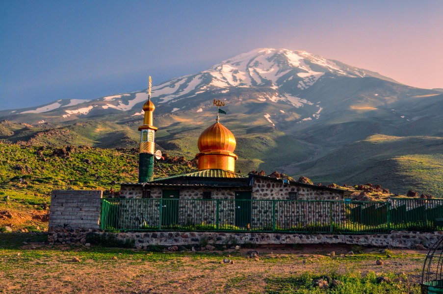 Írán - mešita pod Damávandem