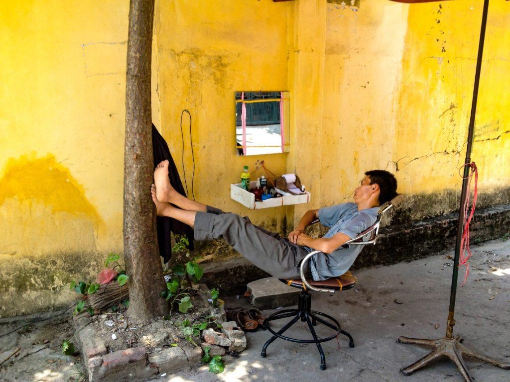 spící Vietnamec